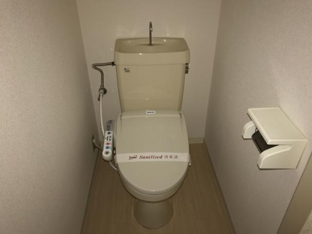 クレストール33 00302号室のリビング