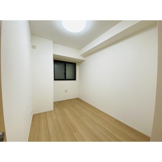 横濱紅葉坂レジデンス参番館 805号室のリビング