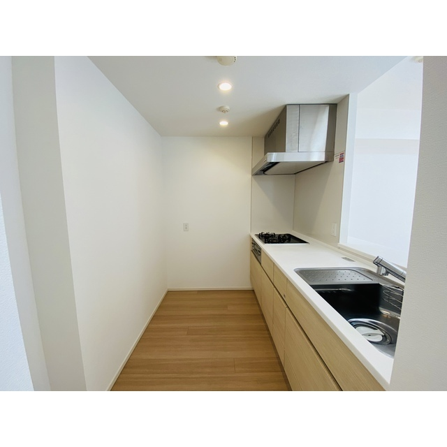 横濱紅葉坂レジデンス参番館 805号室のキッチン