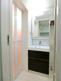 ハーミットクラブハウス白楽IIIB棟(仮) 101号室の洗面所