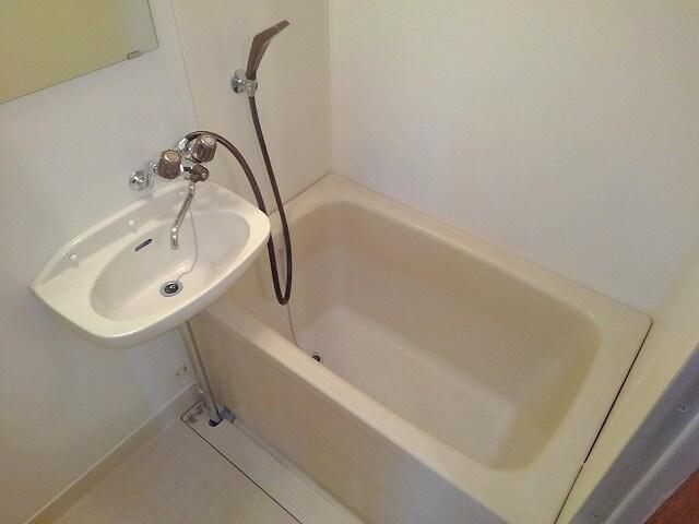 前田ビューハイツⅡ 01040号室の風呂