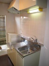 ドミールハイツ 103号室のキッチン