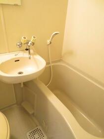 ドミールハイツ 103号室の洗面所
