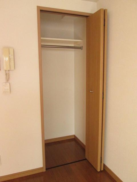 パステル府中 203号室のリビング