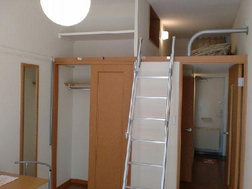 レオパレスコロモ 202号室の収納