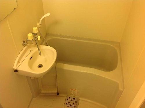 レオパレス楼蘭 102号室の風呂