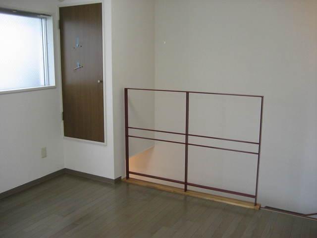 プラスモベール B号室のリビング