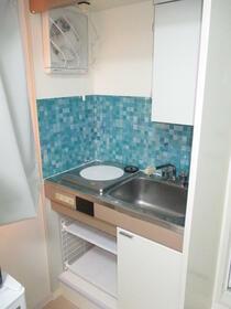 信和マンション 401号室のキッチン