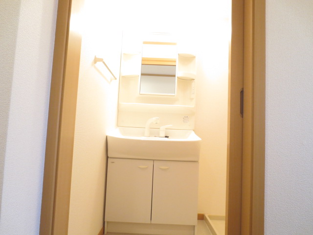 ライフサークルパート12 01020号室の洗面所