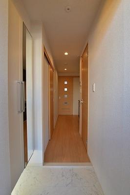 マーレーモンティーⅥ 03010号室の玄関
