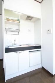 ベルグラン椎名 201号室のキッチン