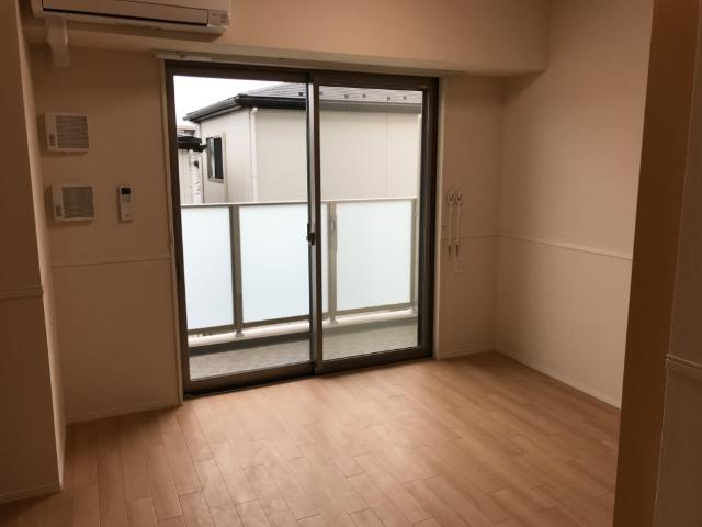 フローラ小石川 306号室のリビング
