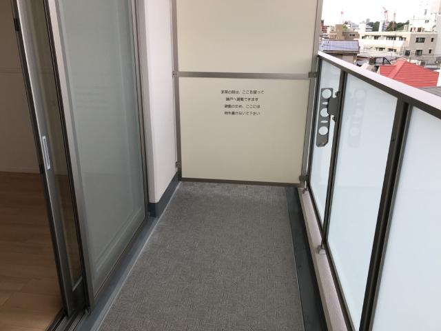 フローラ小石川 405号室のバルコニー