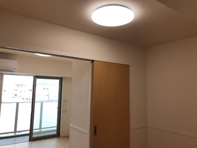 フローラ小石川 406号室のリビング