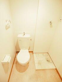 Beeα(ビーアルファ) 103号室のトイレ