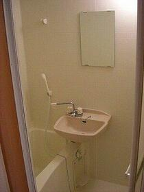 Beeα(ビーアルファ) 103号室の洗面所