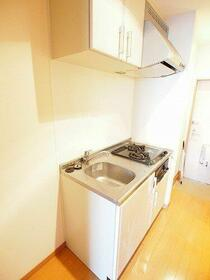 Beeα(ビーアルファ) 103号室のキッチン