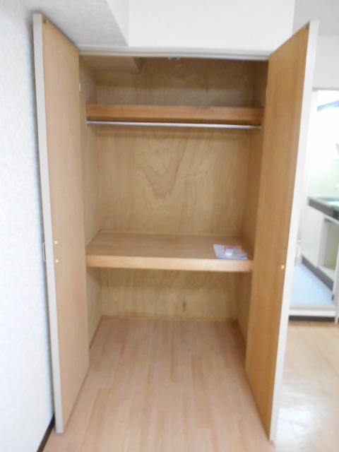 ハイツ紅屋 408号室の収納