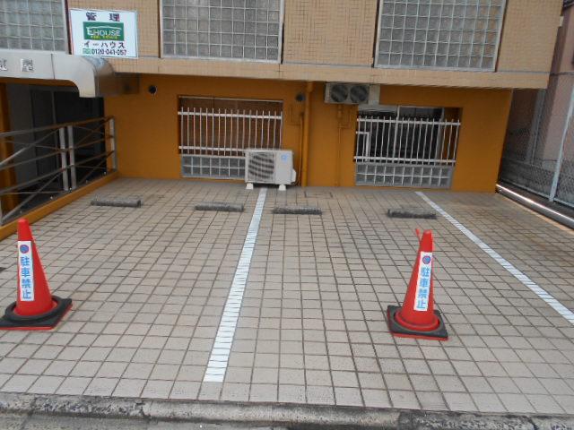 ハイツ紅屋 408号室の駐車場