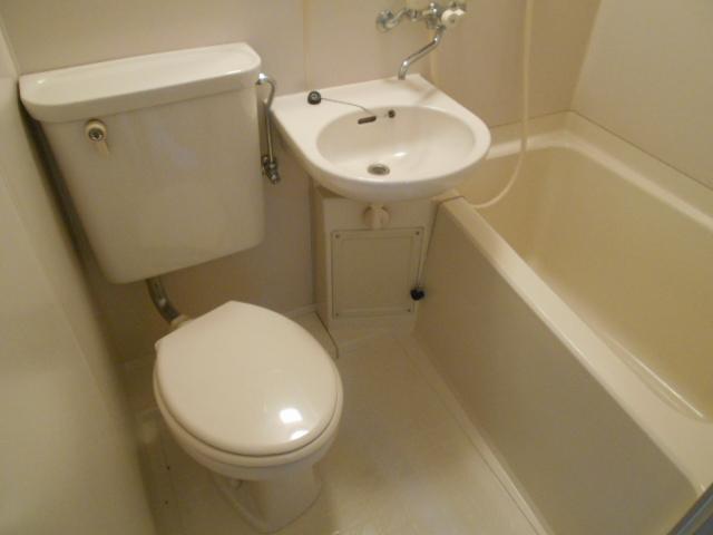 ハイツ紅屋 408号室の風呂