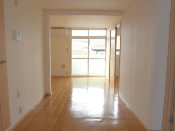 グランヴィレッジ井野台サウス 02030号室の居室
