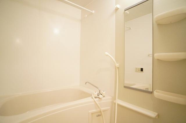 ボヌールフォンテーヌ 03020号室の風呂