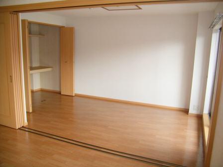 ボヌールフォンテーヌ 03020号室のリビング