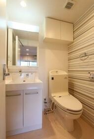 L.A.スイート上野 601号室の洗面所
