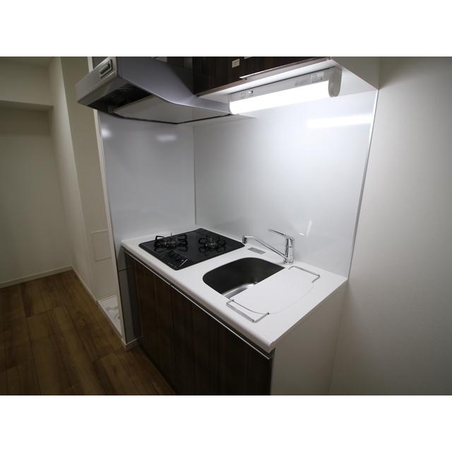 プレール・ドゥーク西新井 101号室のキッチン