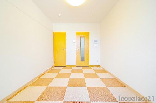レオパレスディン 102号室のリビング