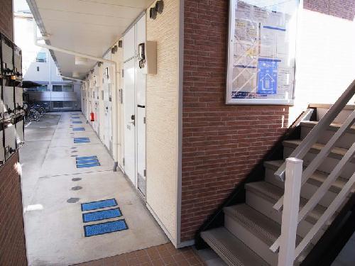 レオパレスディン 203号室の収納