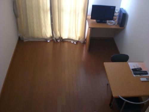 レオパレスリベルテ 101号室のリビング