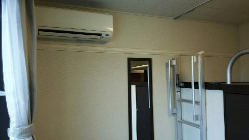 レオパレスエステル 201号室の収納