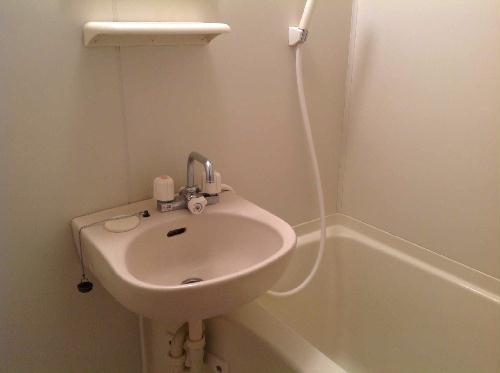 レオパレスシヴⅡ 303号室の風呂