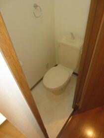 アンプルール・フェール宮内 107号室のトイレ
