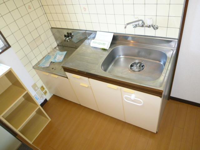グランベール大谷 105号室のキッチン