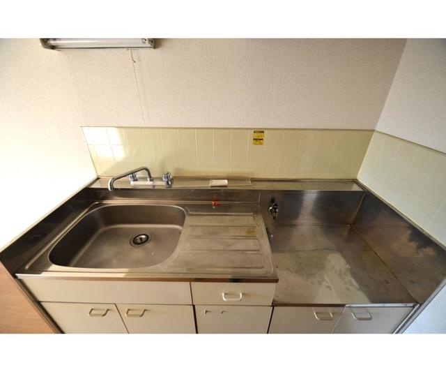 エステ-トピア黒沢 209号室のキッチン