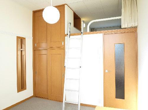レオパレスフルールⅡ 204号室の収納