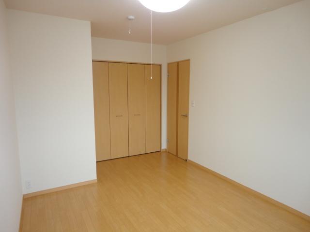 ルミエールB 202号室の居室