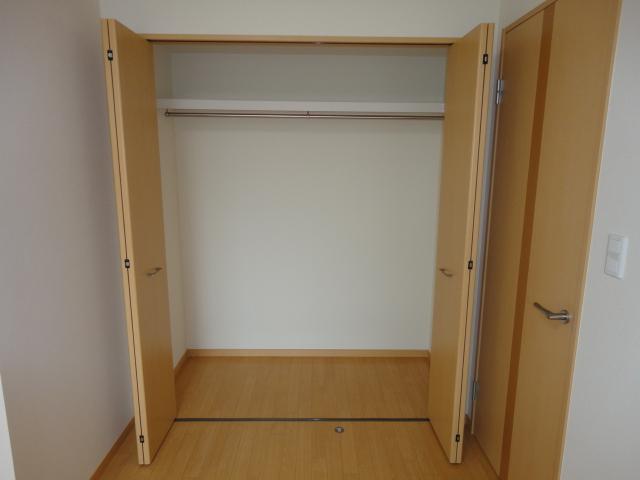 ルミエールB 202号室の収納