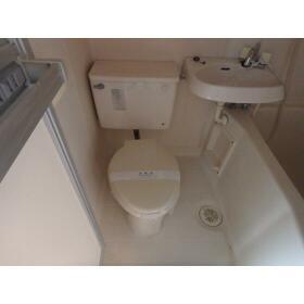 ブランメゾン上福岡 102号室のトイレ