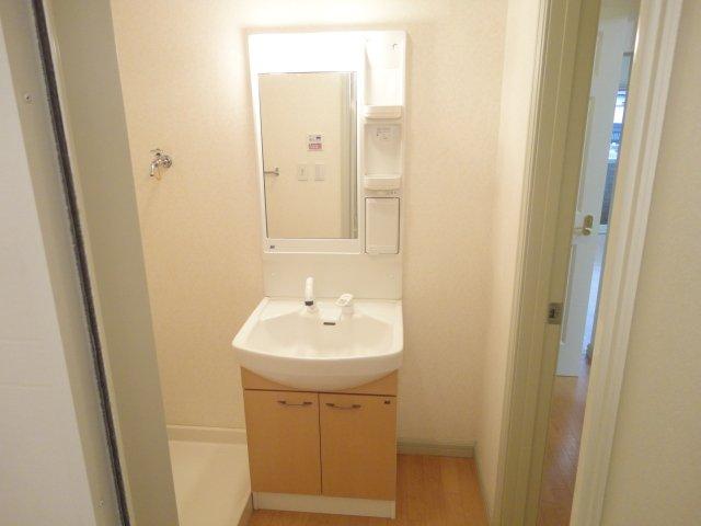 レーヴンレンテB 101号室の洗面所