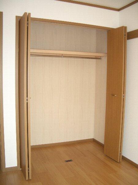 サニーサイド水野 02030号室のリビング