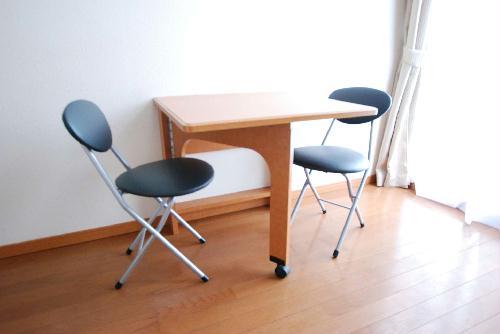 レオパレスアルカディア 204号室のベッドルーム