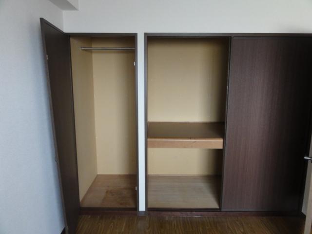 イラーヴァティ C-5号室の収納