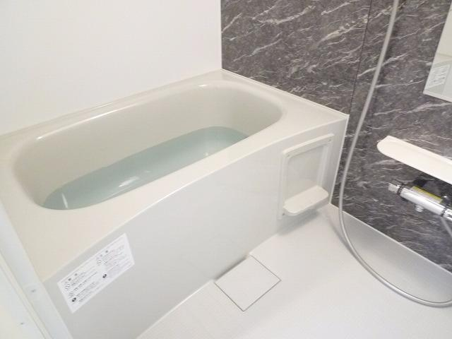 レテ グレイス 01010号室の風呂