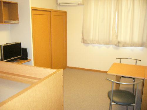 レオパレスMoNe 104号室のリビング