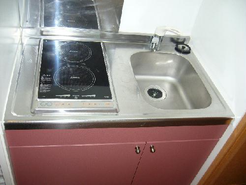 レオパレスMoNe 104号室のキッチン