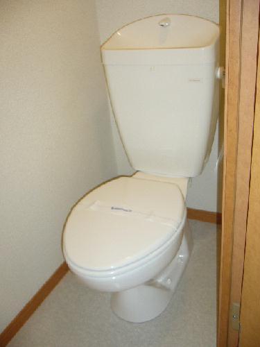 レオパレスMoNe 104号室のトイレ