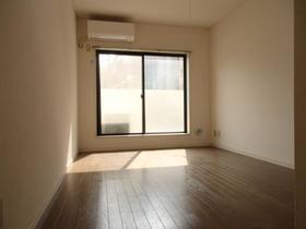 ペアヒルズ大和田 0106号室のリビング